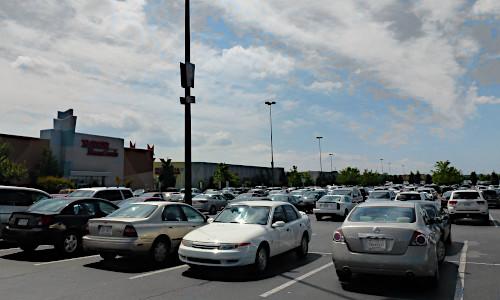 Parkplatz einer Mall in Charlotte, North Carolina